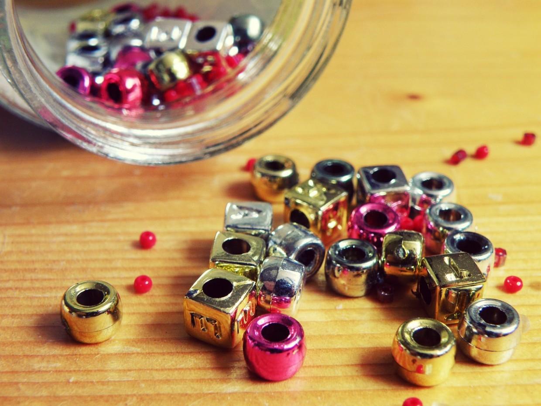 beads-702250_1280